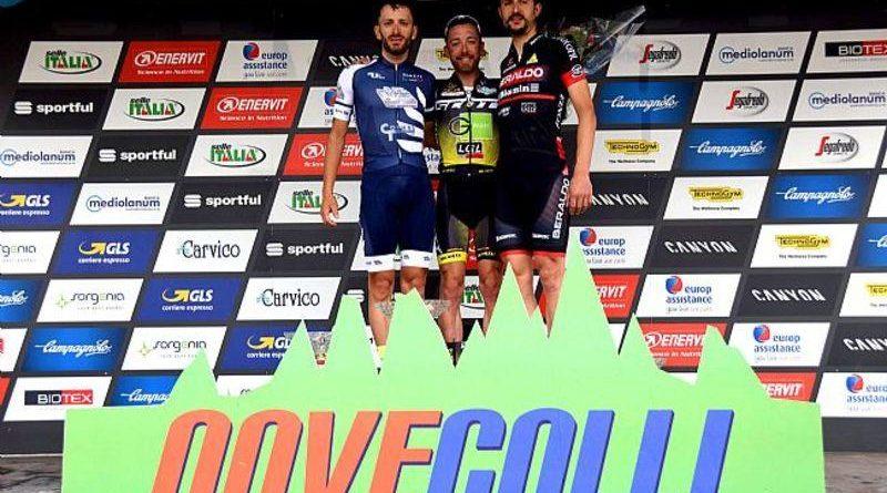 Mauro Facci sul podio della Nove Colli (ph Play Full)