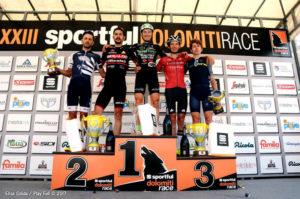 Mauro Facci sul podio della Sportful Dolomiti Race (ph Play Full)