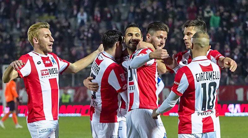 Esultanza dopo il gol di Alessio Curcio in Coppa Italia contro il Gozzano