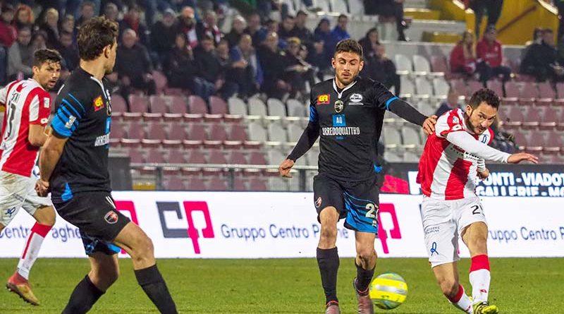 Andrea Mantovani in azione contro l'Imolese