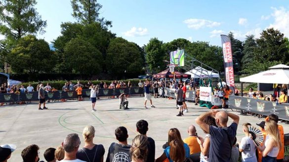 Basket all'aperto promosso da Step Back