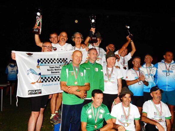 Podio a squadre maschile c.ita con G.S.Alpini Vicenza primi, Scuola Nordic Walking Bassano secondi e Nordic Walking Live Mirandola terzi