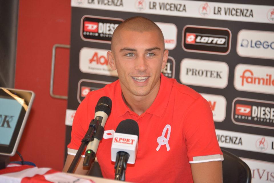 Nicola Dalmonte alla conferenza stampa di presentazione in biancorosso @sportvicentino