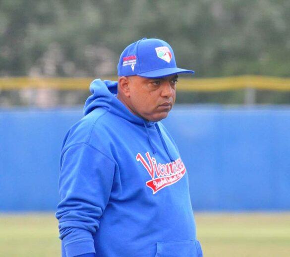 U18 - L'allenatore Carlos Padilla pensieroso
