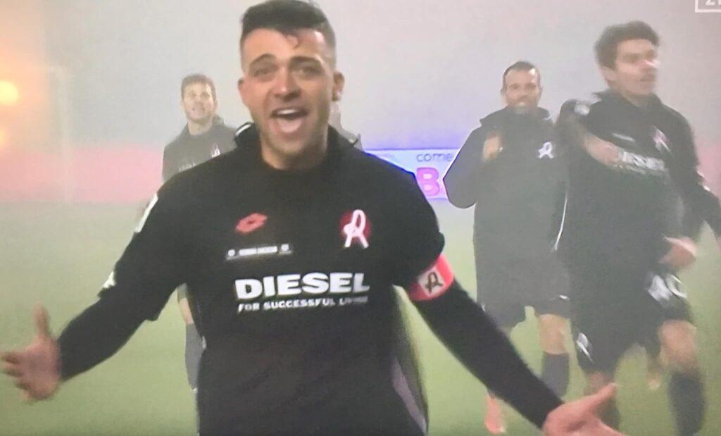 Padella esulta a Cremona dopo il gol