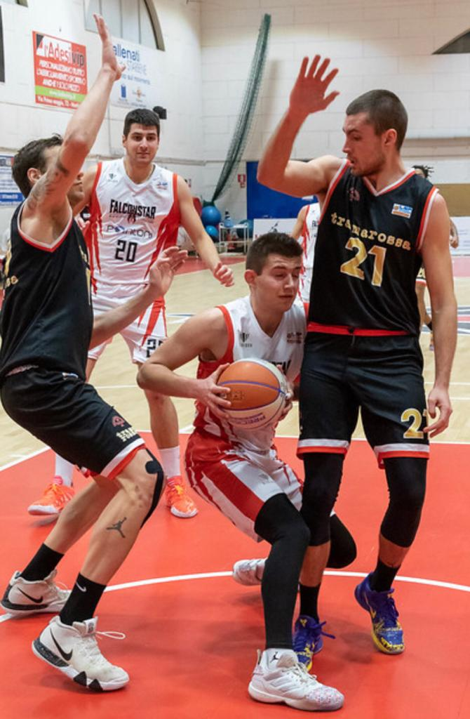 Falconstar Monfalcone contro Tramarossa Vicenza in Friuli