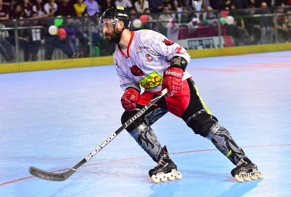 Luca Roffo hockey in line