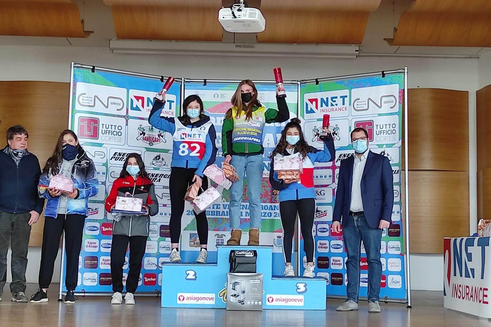 Il podio delle Allieve al Grand Prix Net Insurance (campionato regionale di sci Alpino) prova superG